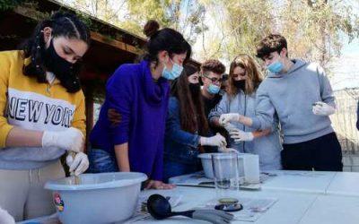 Fem sabó amb oli reciclat a l'Escola Natura Francolí